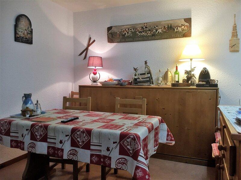 Joli 2 pièces au centre village de Combloux, holiday rental in Combloux