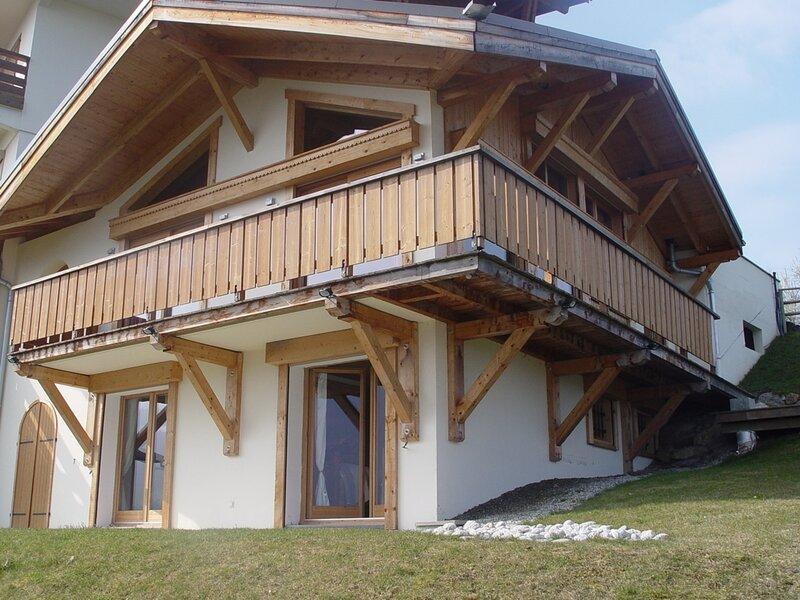 Bel appartement à proximité du village de Combloux, holiday rental in Combloux