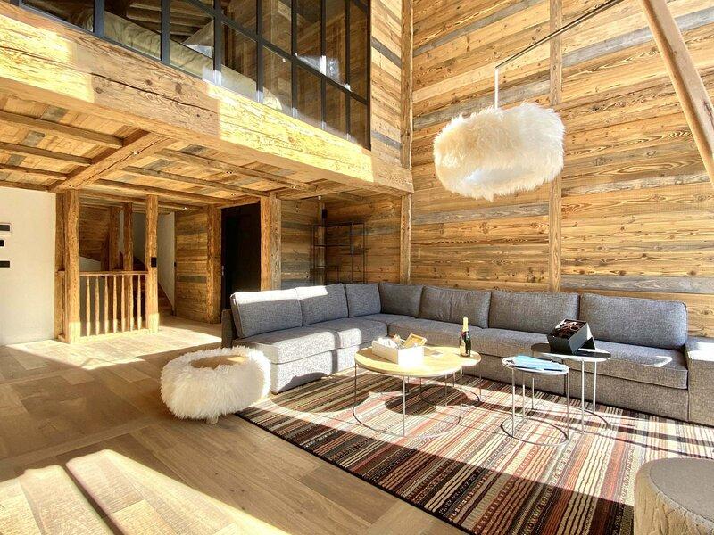 Superbe chalet avec piscine et espace détente, holiday rental in Val d'Isère