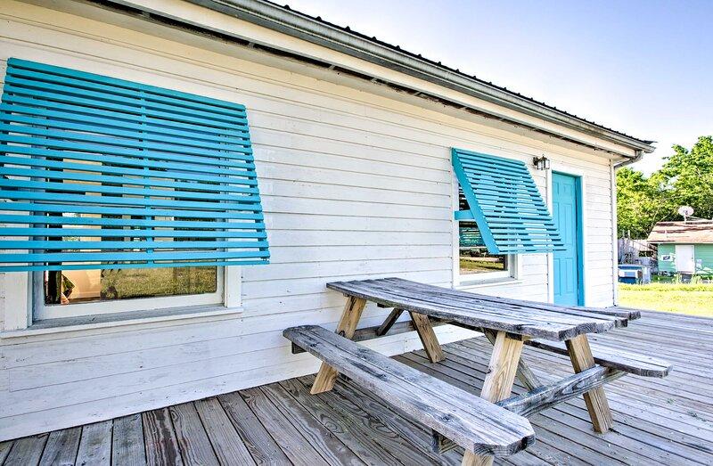 NEW! Cozy Henderson Hideaway: Fish, Hike, & Boat!, holiday rental in Henderson