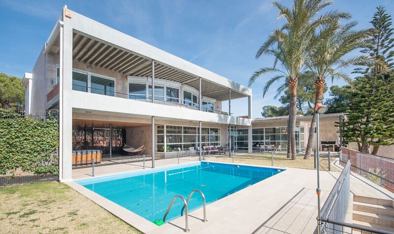 La casa de la playa - surplombez la mer, location de vacances à Els Pallaresos
