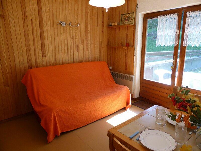 Appartement 3 pièces pour 6 perosnnes situé à proximité du départ des pistes, holiday rental in Combloux