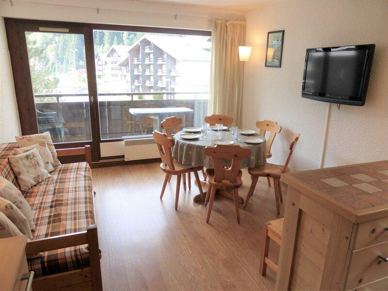 Appartement 3 pièces pour 6 personnes situé aux Hameaux du Lay, holiday rental in Les Contamines-Montjoie