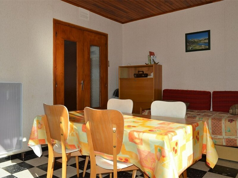 Appartement 2 PIECES - LES CANALETTES, holiday rental in Estavar