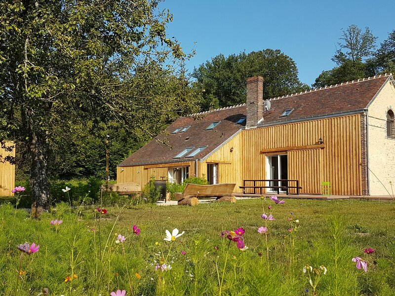 Gîte des Louvetiers, holiday rental in Chennebrun