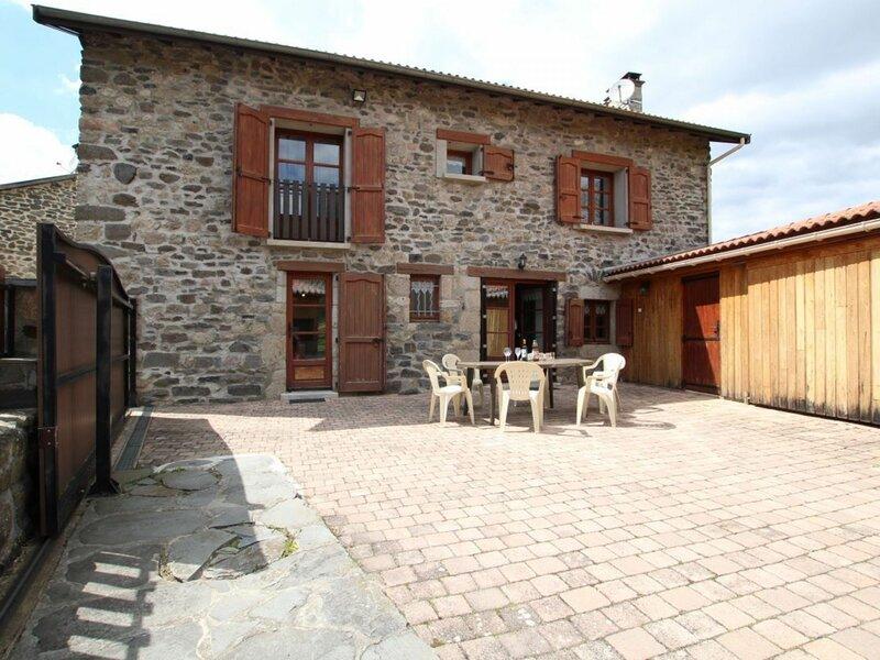 Gîte de la tranquillité, holiday rental in Grazac
