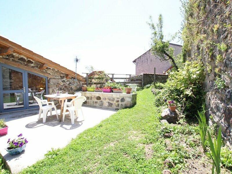 Au Jardin Suspendu, holiday rental in Varennes-Saint-Honorat