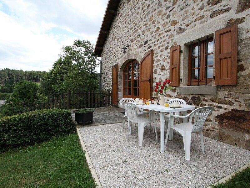 43G6169, holiday rental in Varennes-Saint-Honorat