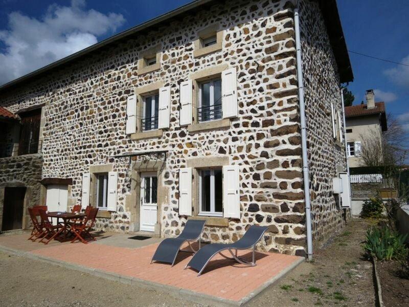 Gîte du Breuil, location de vacances à Éspaly-Saint-Marcel