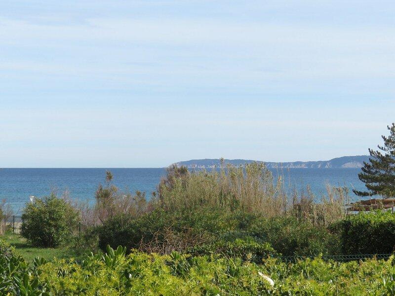T4, RDJ résidence Les Rives, La Favière Bormes Les Mimosas., location de vacances à Cap Benat