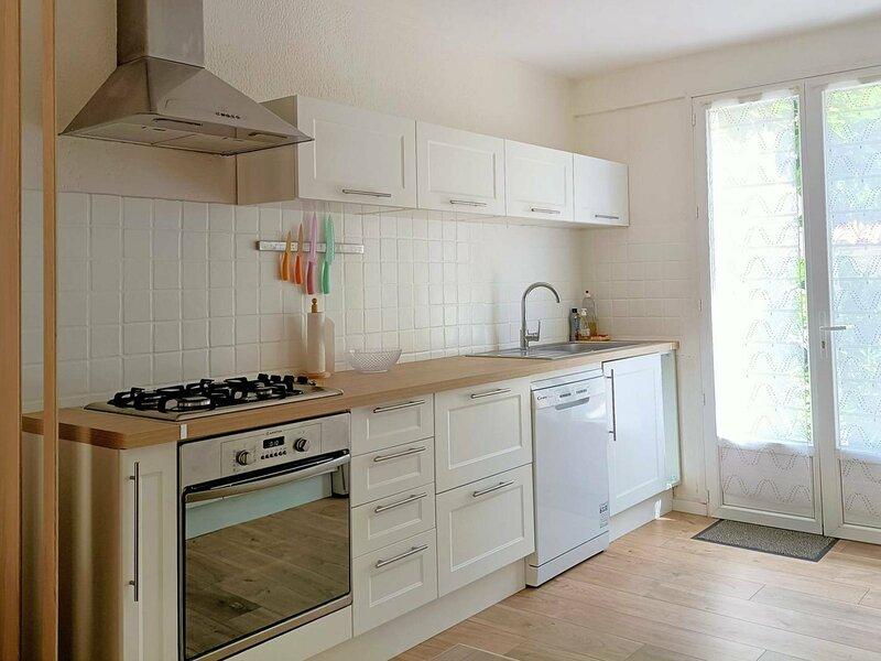 Charmante Maison à 200 mètres de la PLage, Saint Pierre La Mer 10INAV5, holiday rental in Fleury