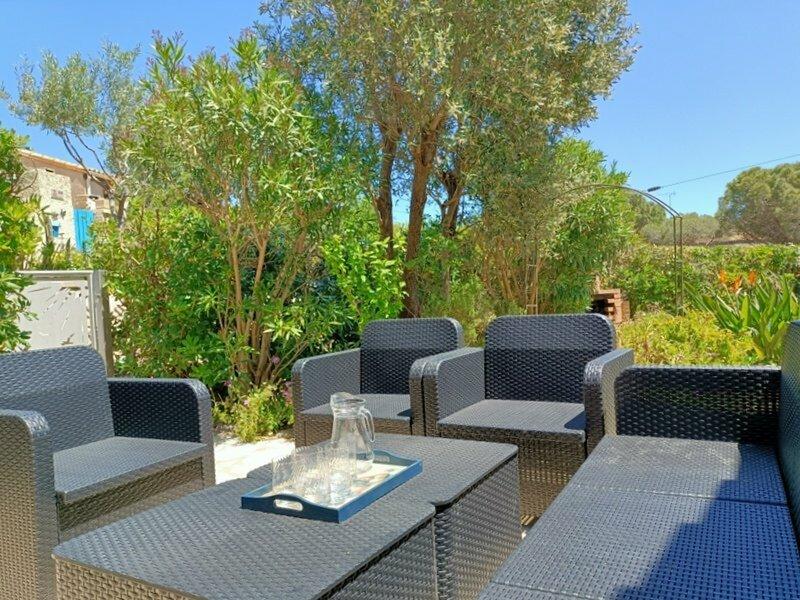 Pavillon avec terrasse 6 personnes, piscine, 700m Plage 6EV2PAV425, location de vacances à Saint-Pierre-la-Mer