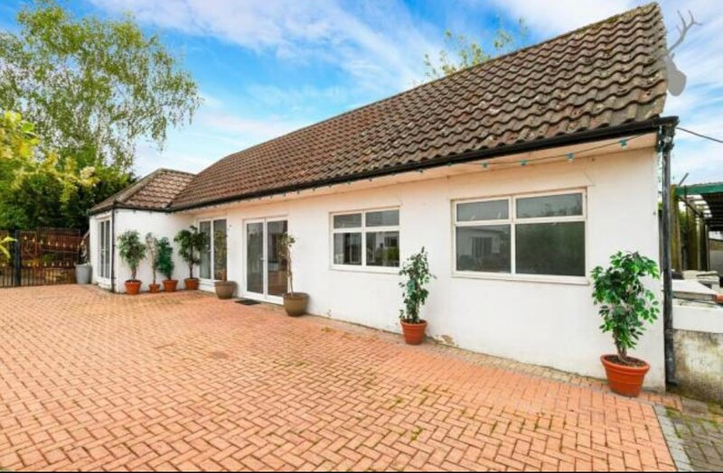 Beautiful 2-Bed Cottage in Essex, holiday rental in Chigwell