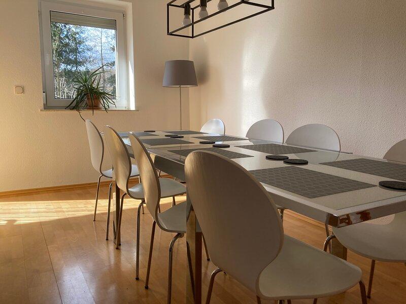 Jonsdorf - spacious family house for up to 8, alquiler de vacaciones en Osecna