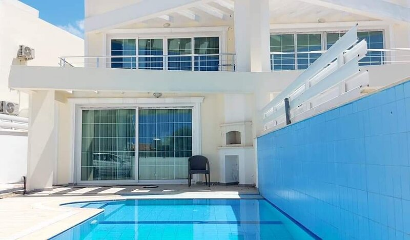Charming 3-Bed Semi Detached Villa in Alsancak, vacation rental in Alsancak - Karavas