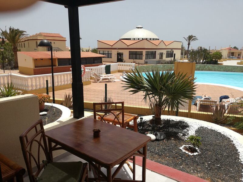 Apartamento Vista Piscina, Wifi Gratis, holiday rental in La Pared