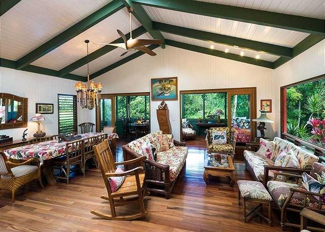 Vintage Hawaii, A Premiere Hawaiian Style Hanalei Home!  TVNC #1158, alquiler de vacaciones en Hanalei