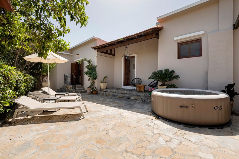Ariadni Apartments - Apartment 3, holiday rental in Kalithies