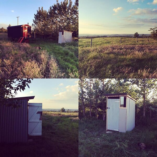 Shepherd's Hut Glamping with stunning views, vacation rental in Vobster