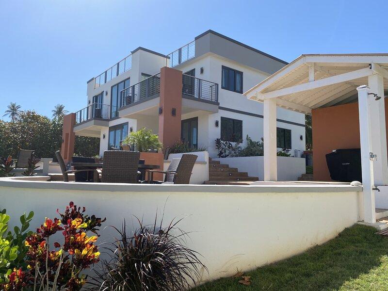 Bella Dunes - Luxury Ocenfront Home, alquiler de vacaciones en Isabela