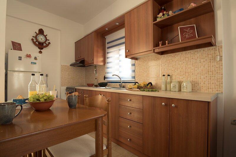 Sunset home Crete 3, location de vacances à Charakas