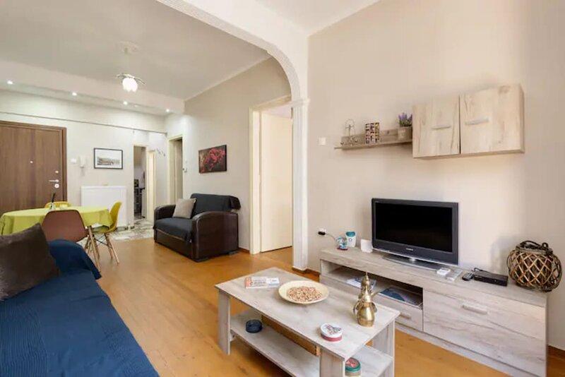 Private Pristine Balcony Home - Heart of the Center, holiday rental in Menemeni