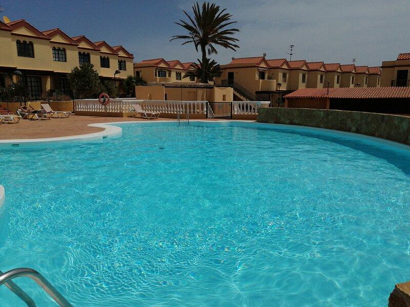 Apartamento 45 Vista Piscina, Wifi Gratis, holiday rental in La Pared