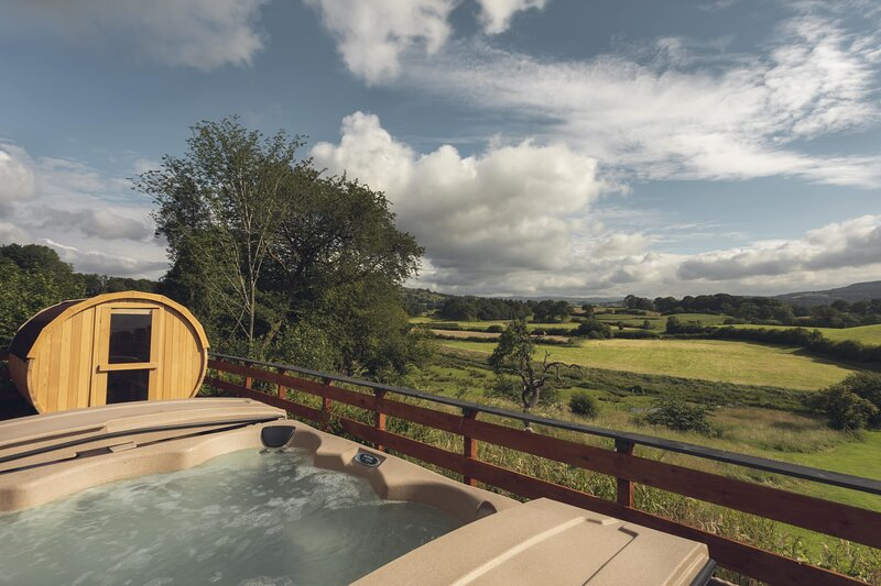 Lyth Valley Country House Property, vacation rental in Bowland Bridge