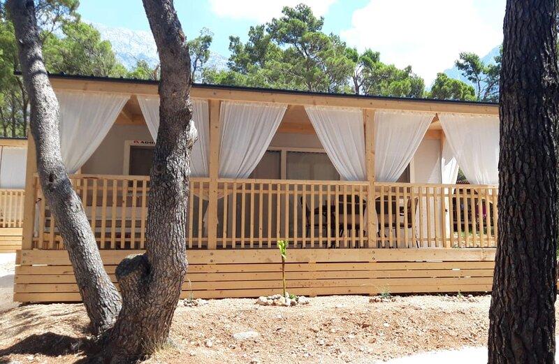Mobile homes Sara - Camping Baško Polje , Adriatic , Dalmatia, casa vacanza a Baska Voda