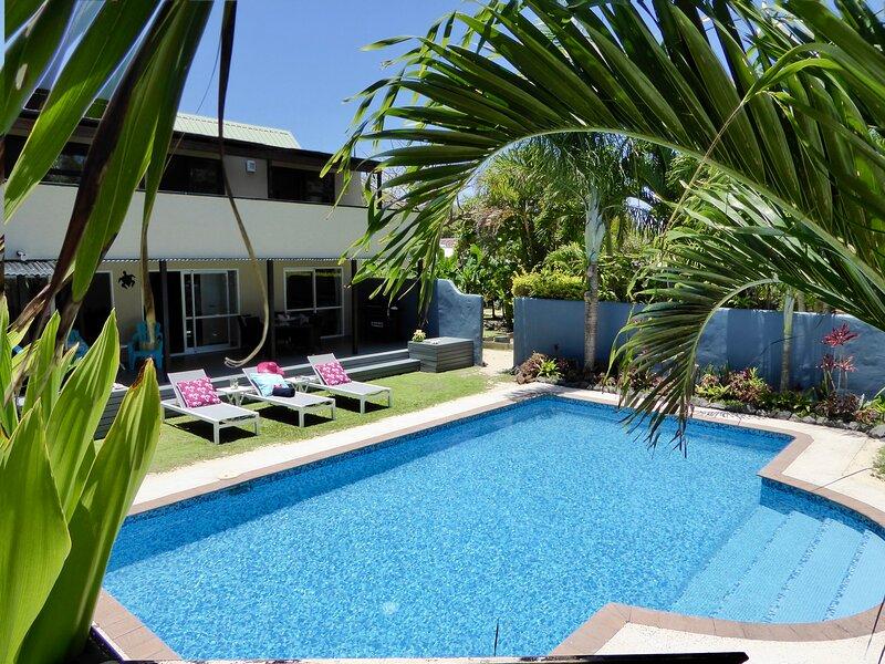 Taakoka Muri Beach Villa - beach front / lagoon facing pool/ kayaks/ paradise!, vacation rental in Southern Cook Islands