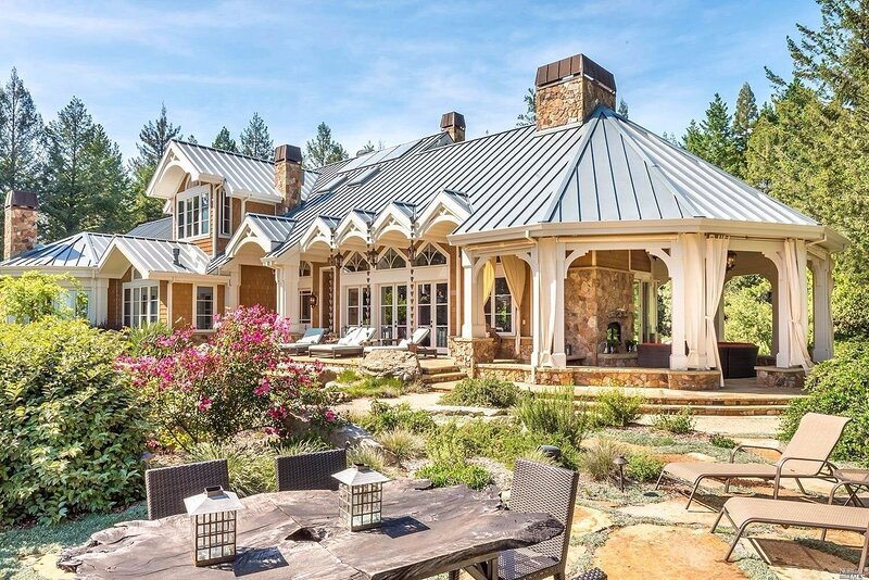 Beautiful Forest Villa Retreat in Sonoma County, alquiler de vacaciones en Cazadero