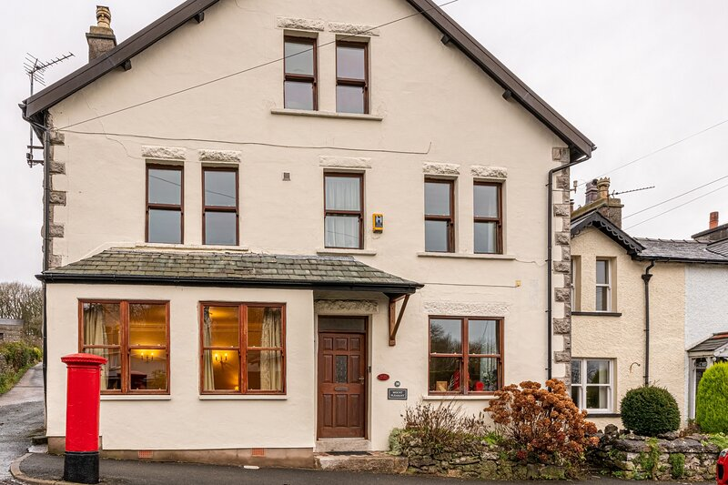 The Old Post Office - Large six bedroom house with parking & garden, vacation rental in Kents Bank