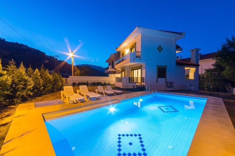 Villa Turkuaz 2 Marmaris Daily Weekly Rentals, holiday rental in Armutalan