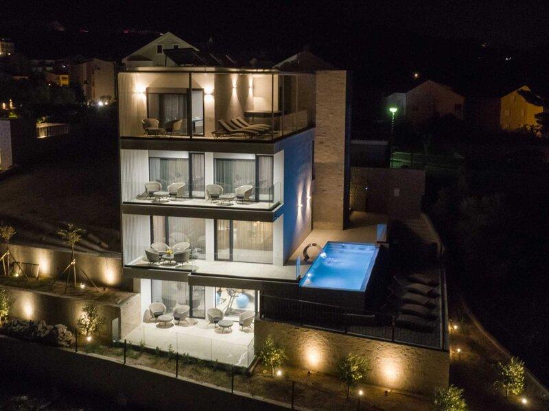 Villa Sea Splendor with Pool, holiday rental in Bast