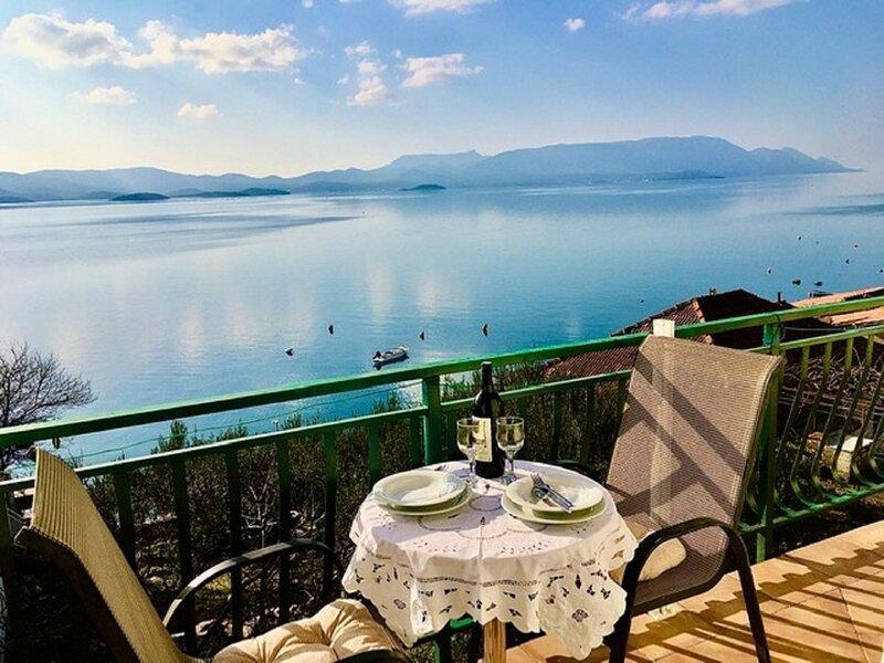 Seaside self catering Apartment great Sea View Komarna Riviera Dubrovnik, holiday rental in Klek