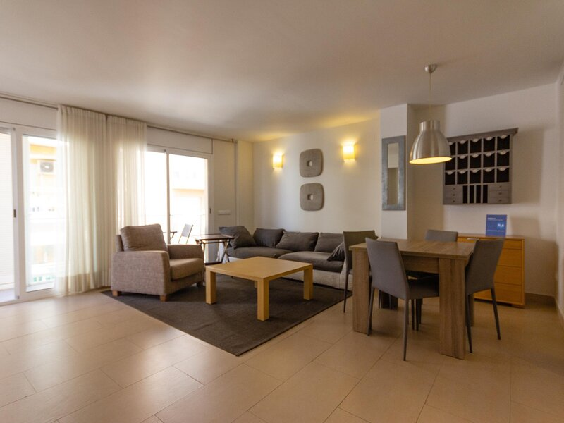 APARTMENT WITH WIFI AND AIR CONDITIONING SANTIAGO RUSSINYOL, casa vacanza a L'Ametlla de Mar