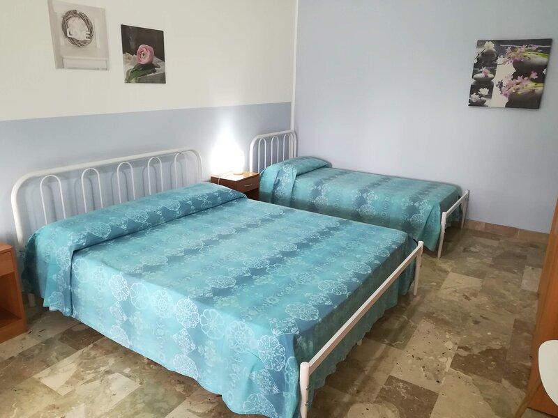Appartamento centrale con spaziosa veranda e WI-FI, holiday rental in San Vito lo Capo