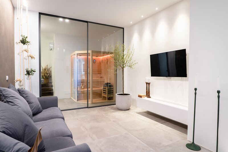 NEST HOUSE & RELAX luxury apartment, holiday rental in Montecosaro