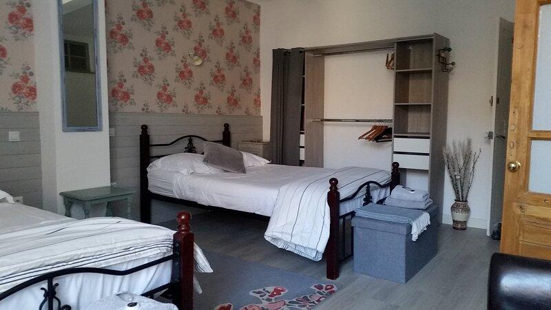 Maison de Magnolia Chambre d'Hôtes    Twin Bedroom, holiday rental in Cavanac