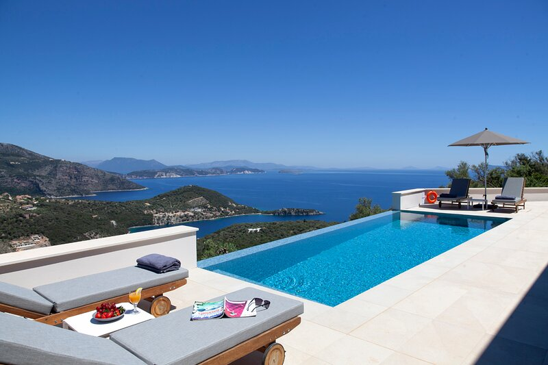 Stunning Villa Sky With Private Pool & Amazing Views, holiday rental in Sivota