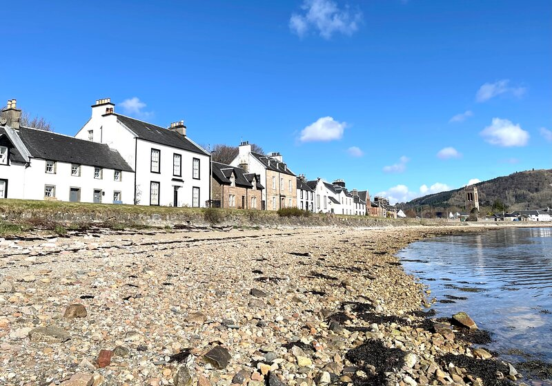 Newton Cottage South, shore front terraced cottage, completely renovated, holiday rental in Portsonachan