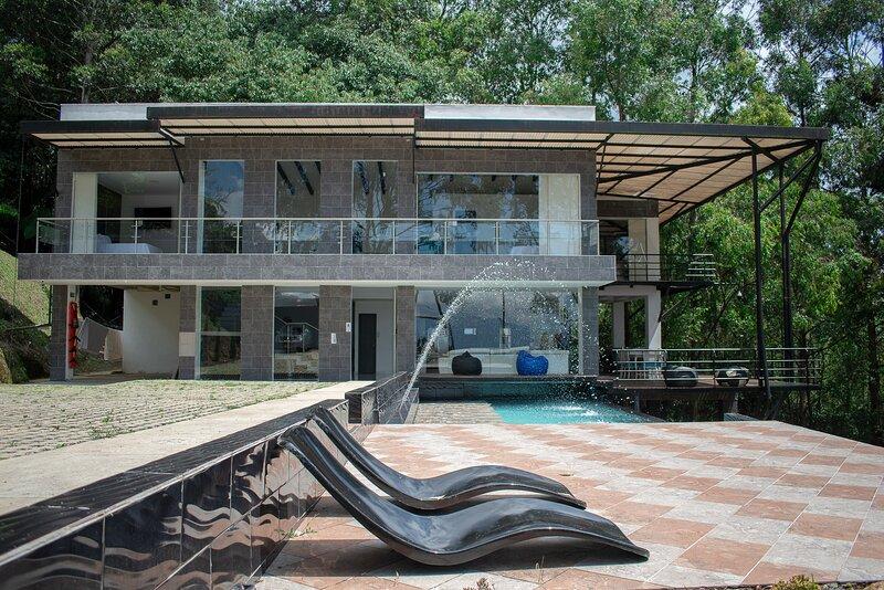 57 Hillside Mansion, casa vacanza a Sabaneta