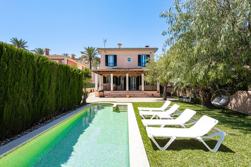 PLAYA DE PALMA, VILLA VERY CLOSE TO THE BEACH, alquiler de vacaciones en Mallorca