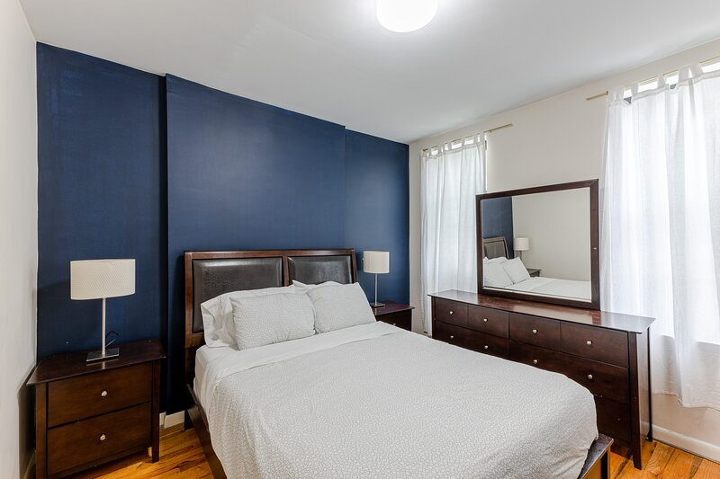 (3C) Chic Apartment Just Off Park Ave., holiday rental in New York City