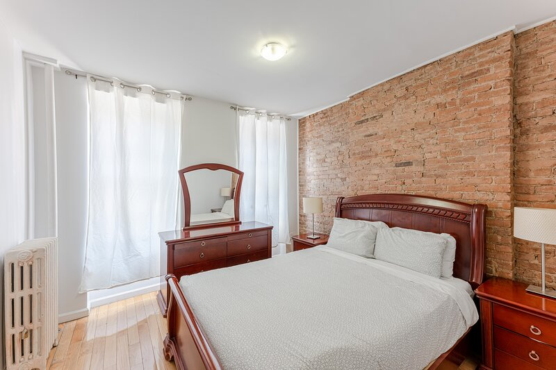 (1B) Two Bedroom Apartment Just off Park Ave., holiday rental in New York City