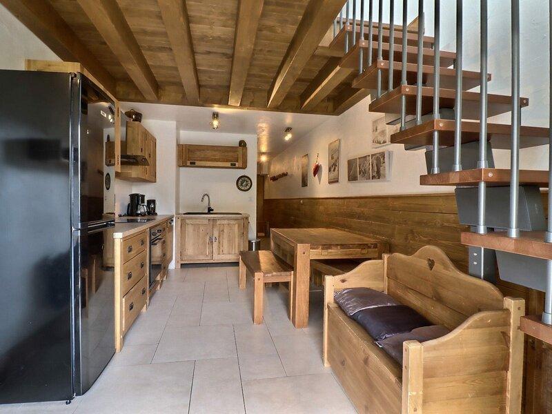 SUPERBE DUPLEX SUR LES PISTES, LABEL MERIBEL, vacation rental in Meribel Mottaret