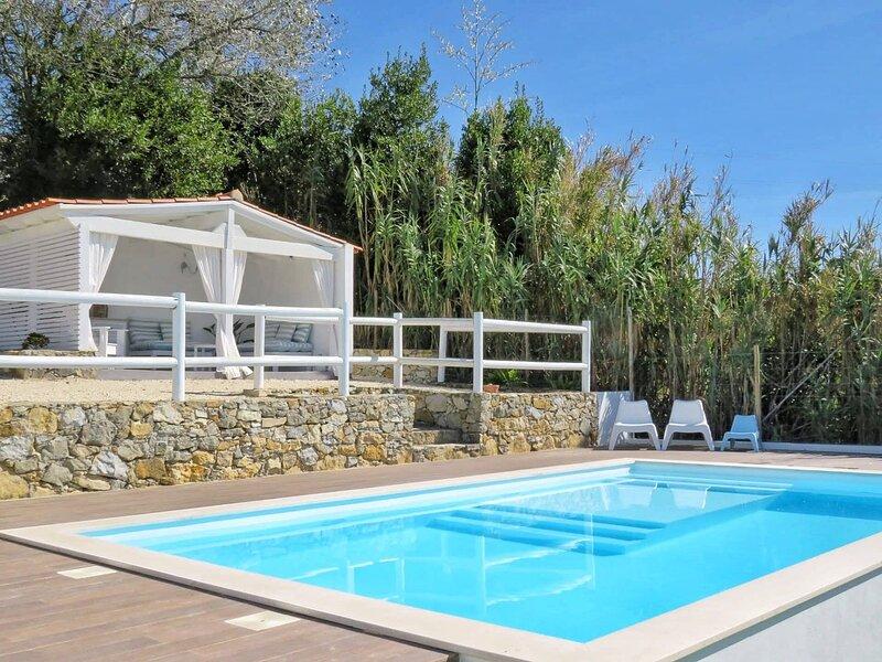 Cosy Chic Cabin - perfect retreat for 2, casa vacanza a Gradil