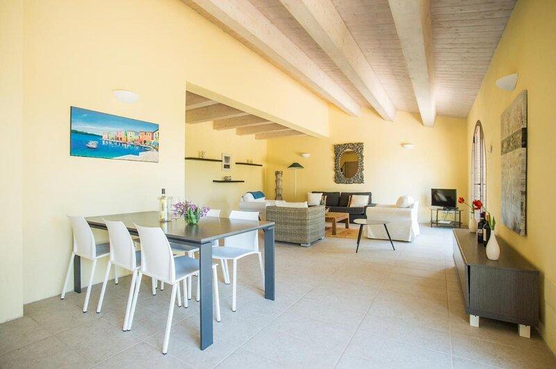 Stupendo Appartamento Villa Limone su due piani - Resort Cignella, casa vacanza a Petroio