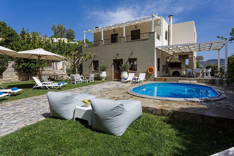 Elodia Villa, a Rural Idyll Escape!, holiday rental in Zoniana