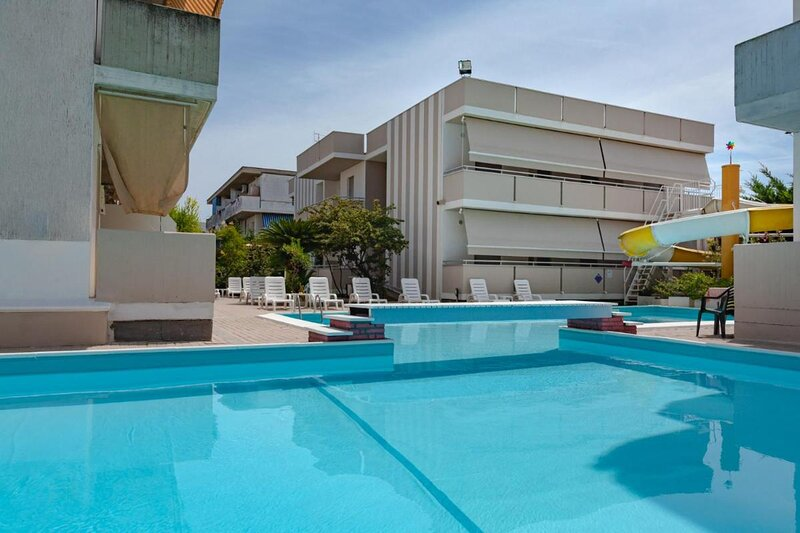 Holiday Club Residence Bilocale per tre persone, vacation rental in Corropoli